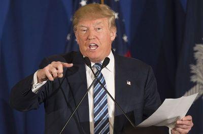 Trump sacude la Casa Blanca en su primer caótico año de gobierno