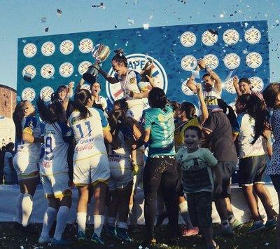 Capiatá campeón del Clausura Femenino