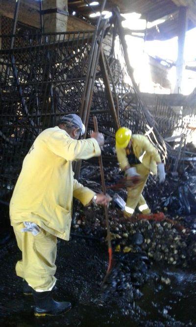 Recolectan 32 toneladas de residuos de bloque siniestrado del Abasto