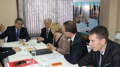Luego de la evaluación en Paraguay, tutores franceses elogian trabajos de docentes