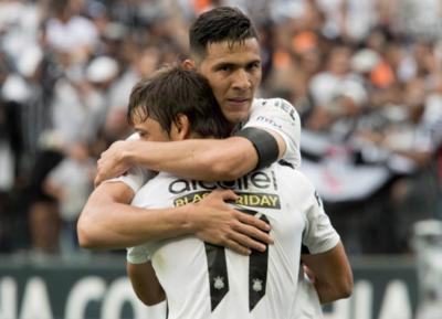 No figura en su agenda salir de Corinthians