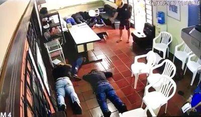 Asaltan Consulado paraguayo en Foz, pero asaltantes terminan detenidos