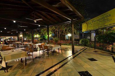 40 años de un restaurante histórico de la noche asuncena