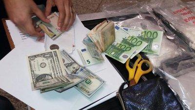 Paraguaya pretendía llevar cocaína a España en su maleta