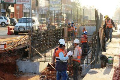 Obras públicas impulsan crecimiento del sector de la construcción