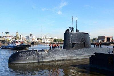 Submarino perdido estaría en la superficie