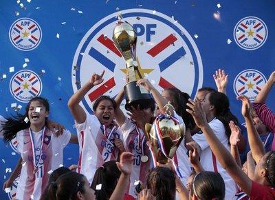 Cerro se consagró campeón absoluto en fútbol femenino