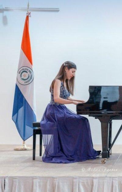 Pianista paraguaya se presenta en Barcelona