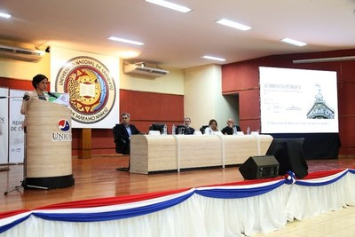 Ministra de Hacienda rindió cuentas sobre el uso de recursos públicos