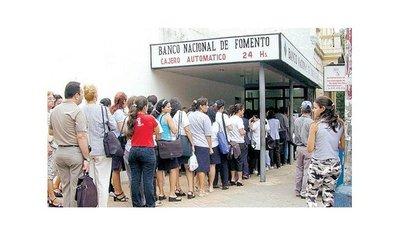 CALENDARIO: Funcionarios cobrarán aguinaldos desde el 12 de diciembre