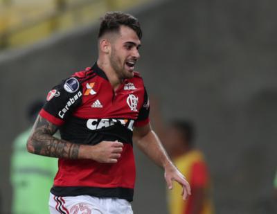 Flamengo se queda con el primer asalto