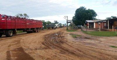 Conflicto por cierre de ruta en días de lluvia en el Chaco