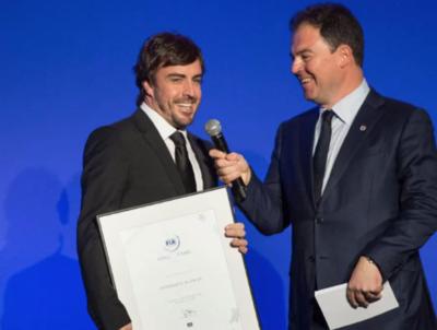 Alonso ingresa al Salón de la Fama de FIA