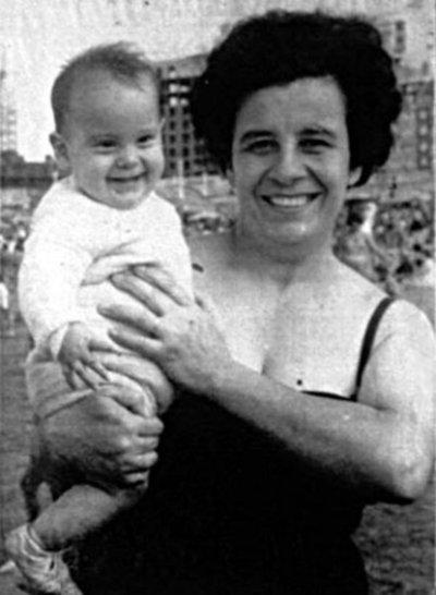 Homenajean a Esther Ballestrino a 40 años de muerte