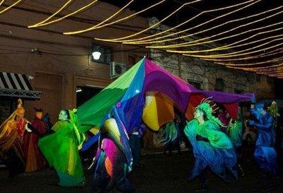 Música, danza y teatro copan esta noche la  calle  25 de Mayo