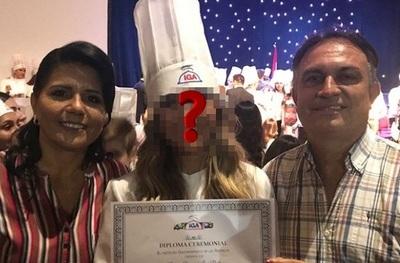 Conocida Ex Modelo Se Recibió De Chef