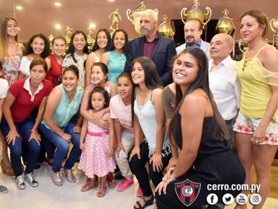 Cerro premia a los campeones de disciplinas amateurs