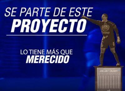 """VIDEO: Vélez inaugura estatua del """"Chila"""""""