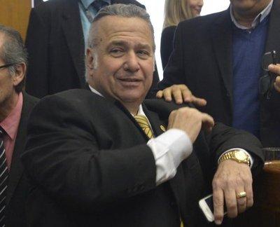 Senado recibió la renuncia de González Daher