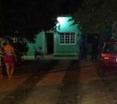 Cinco delincuentes ingresaron a una casa y asesinaron a un hombre