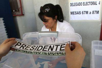Chile: Arranca balotaje de pronóstico incierto con voto en el exterior