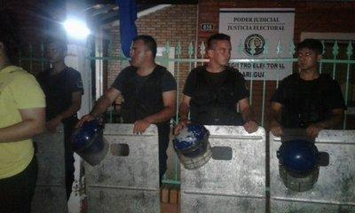 Orden, tras incidentes en Registro Electoral