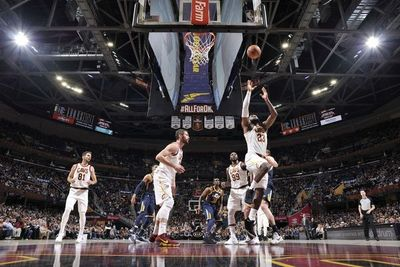 LeBron y su triple-doble Nº60