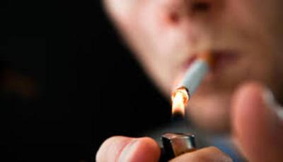 La mayoría de los fumadores comienza antes de los 15 años