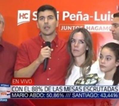 Santiago Peña reconoce su derrota y felicita a 'Marito'