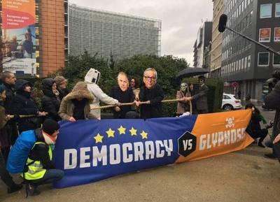 La UE renueva el glifosato por otros cinco años