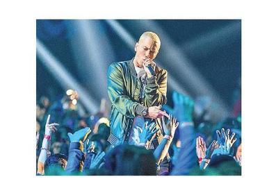 Eminem llega con un disco más político