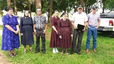 Familiares de secuestrados reparten víveres por orden del EPP