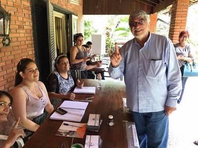 Pescando en río revuelto, Lugo habla de coquetear con descontentos de ANR