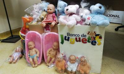 Donan 700 juguetes para regalar a niños por fin de año