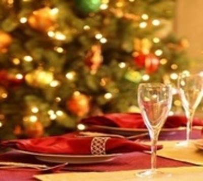 Recomiendan no abusar de las comidas en Navidad