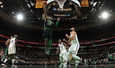 Celtics acaban año con mejor marca en el Este