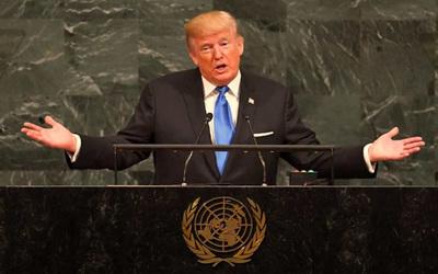 """Trump dice que """"es hora de un cambio"""" en Irán tras las protestas"""