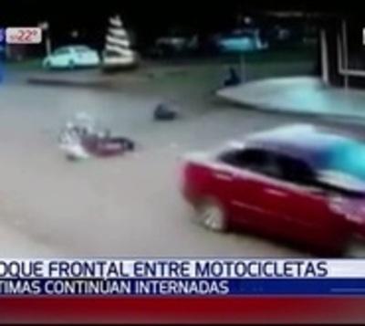 Terrible choque entre motocicletas en Itapúa