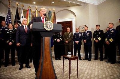 Trump diseña un plan para fomentar la venta de armas