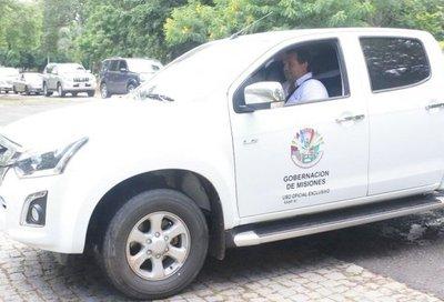Candidato a diputado de ANR,  con vehículo de Gobernación