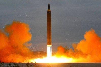 Nueva política apunta a desarrollar armas nucleares