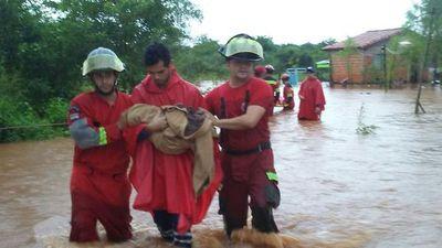 Cerca de seis familias rescatadas tras desborde de arroyo en Capiatá