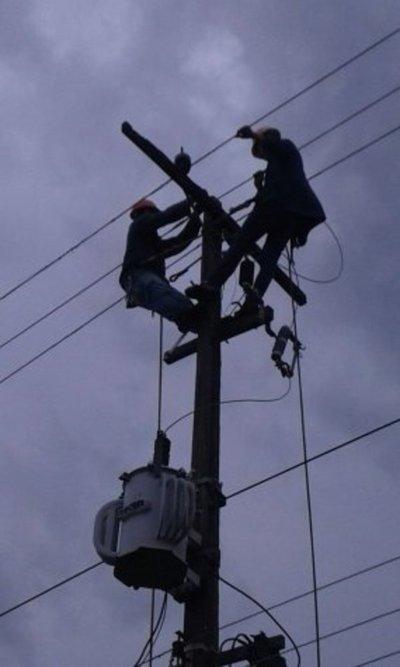 Varias zonas de Asunción y Central continúan sin luz
