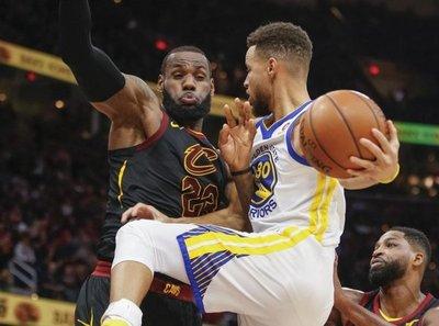 Warriors confirman liderazgo ante Cavaliers