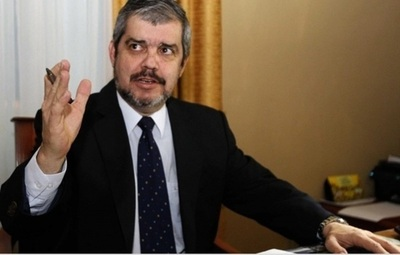 Ministro de educación renunciará el próximo lunes