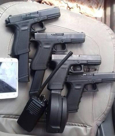 Capturan a supuestos miembros del PCC y requisan armas de fuego
