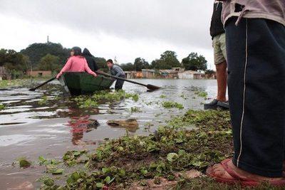 Río Paraguay está por llegar a los 6 metros
