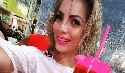 La Modelo Angie Leiva Así Disfruta Sus Vacaciones