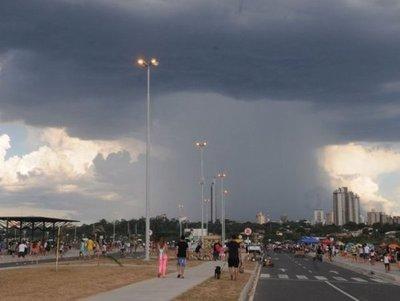 Anuncian precipitaciones y ocasionales tormentas