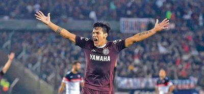 Boca Juniors insiste en Gustavo Gómez